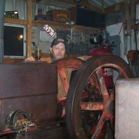 HIT & MISS ENGINE COLLECTING AND REPAIR